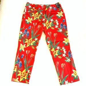 New York & Co Red Floral Crop